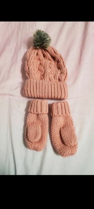 New baby hat and mittens for Sale in Mesquite, TX