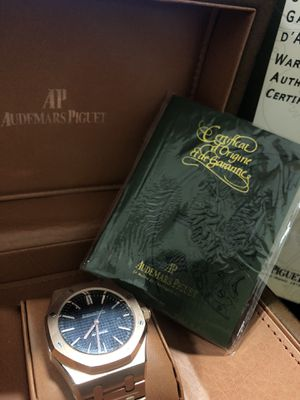 BRAND NEW ROSE GOLD BLACK AUDEMARS PIGUET WITH CASE AND BAG for Sale in Indianapolis, IN