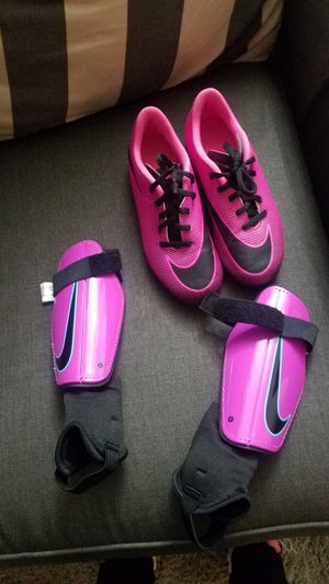 Soccer cleats size 2 for Sale in Pico Rivera, CA