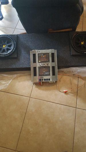 Bocinas y amplificador for Sale in Frostproof, FL