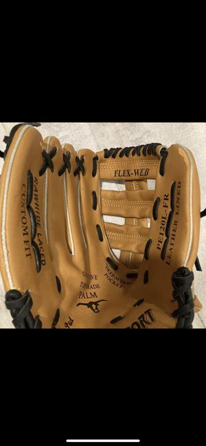 Pro sport baseball glove ! Shipping available for Sale in Central Islip, NY
