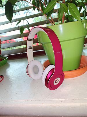 Beats Solo Headphones with Cord and Case! (Wired) for Sale in Tacoma, WA