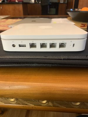 Apple AirPort Extreme Home/Office Router (A1354) White for Sale in Great Neck, NY