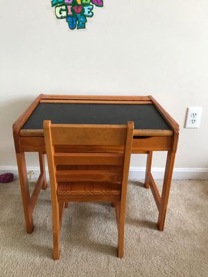 Great kids desk!!! for Sale in Mount Airy, MD