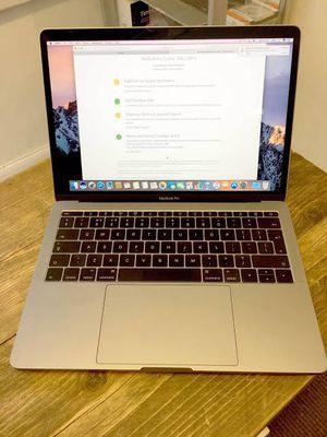 Apple macbook pro 13 Inch 2017 256gb for Sale in El Centro, CA