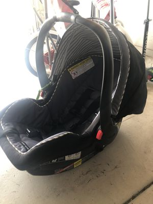 Graco click connect car seat with base for Sale in Gilbert, AZ