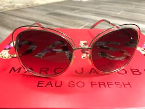Chloe sunglasses for Sale in Phoenix, AZ