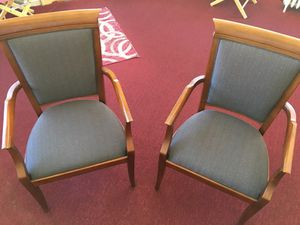 Contemporary sitting arm chairs for Sale in Cleveland, OH