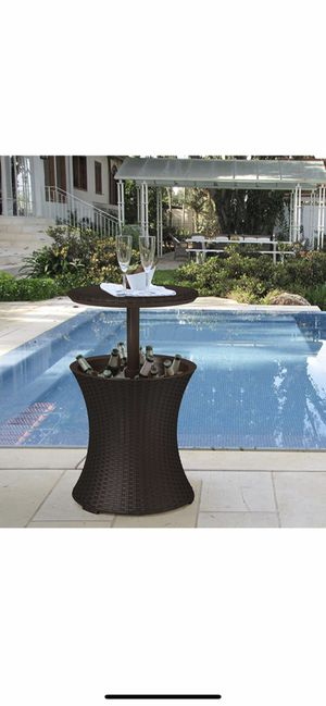 Keter Cool Bar Outdoor Patio and Hot Tub Side Table for Sale in Temecula, CA