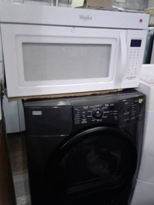 Whirlpool brand new microwave excellent condition for Sale in Baltimore, MD