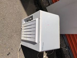 LG Dehumidifier model #LHD65EL Holds 45 pints of water with auto start for Sale in West Haven, CT