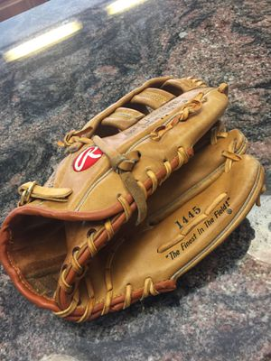 Rawlings baseball glove for Sale in Cheshire, CT