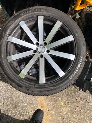 tire with rims 20 in for Sale in New York, NY