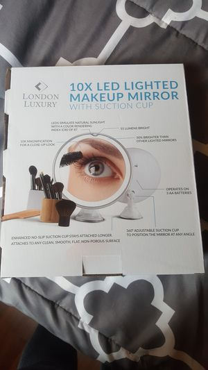 Magnifying makeup mirror for Sale in Evesham Township, NJ