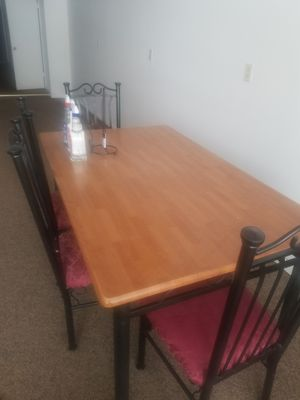 Dining room table and chairs for Sale in Uniontown, PA