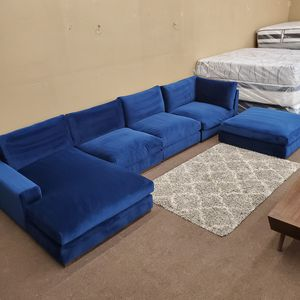 JUST MAGNIFICENT!! mcm style royal blue velvet grand sectional joy.b.i.r.d collection WON'T LAST! for Sale in Dallas, TX