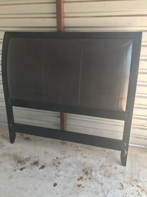 Queen Size Bed Frame for Sale in Pflugerville, TX