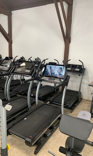 New Open Box NordicTrack Commercial X32i (32inch BIG SCREEN TV on treadmill) for Sale in Los Angeles, CA