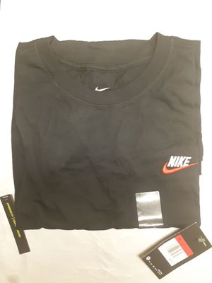 Nike Shirt L for Sale in Fort Worth, TX