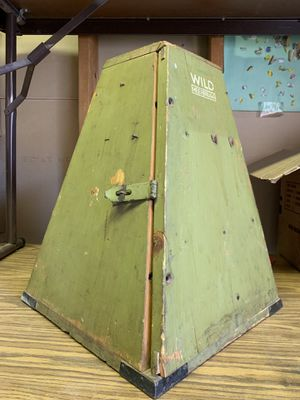 VERY RARE 1940's Green Wooden Pyramid-Shaped Box, opens for display Made in Germany for Sale in Phoenix, AZ