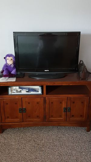 TV and TV stand sold separately for Sale in Avon Park, FL