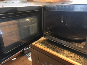 Sharp - Carousel 1.1 Cu. Ft. Mid-Size Microwave - White for Sale in Renton, WA