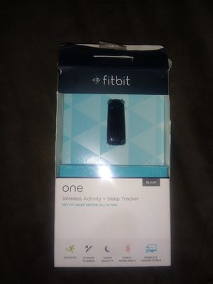 Fitbit one.wireless activity plus sleep tracker for Sale in Cleveland, OH