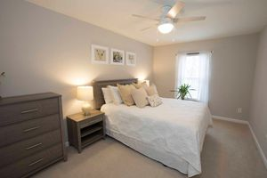4-Piece Bedroom Furniture Set for Sale in Raleigh, NC
