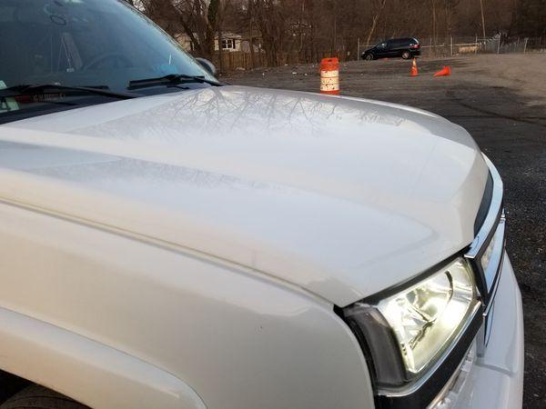 2004 Chevrolet Silverado 2500hd gm hood ,gm headlights,