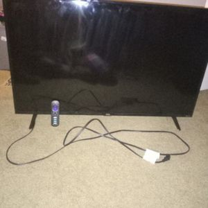 TCL Smart TV W/ Remote. for Sale in Cayce, SC