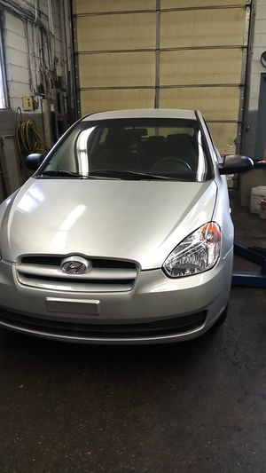 2009 Hyundai accent for Sale in Laurel, MD