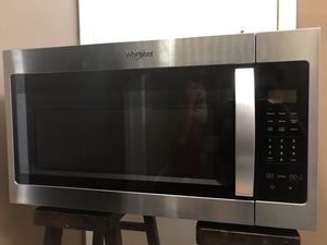 Microwave Whirlpool 1.7 Cu. Ft. Over the range for Sale in Agua Dulce, CA
