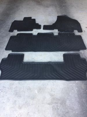 Honda oddessy floor mats for 2011 to 2016 vehicles models in good condition for Sale in Austin, TX