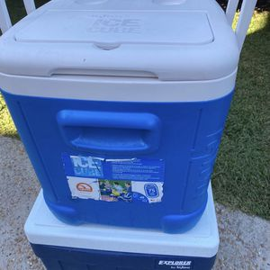 2 Igloo coolers for Sale in San Bruno, CA