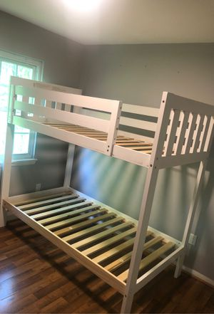 White bunk bed for Sale in MONTGOMRY VLG, MD