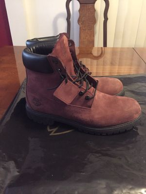 Burgundy Timberlands Size 11 for Sale in Los Angeles, CA