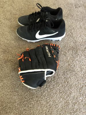 Softball Cleats and Mitt for Sale in Blue Island, IL
