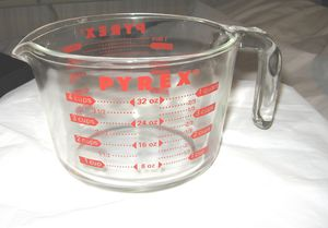 VINTAGE 1 quart GLASS PYREX MEASURING CUP for Sale in Hemet, CA