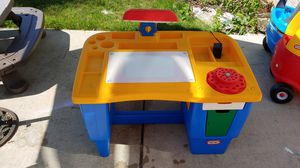 Little tykes art desk with light for Sale in Downers Grove, IL