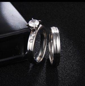 Size 8 great quality non tarnish stainless ring set for Sale in Taylors, SC