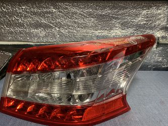 2013 2014 2015 Nissan Sentra taillight tail light for Sale in Rancho Cucamonga,  CA