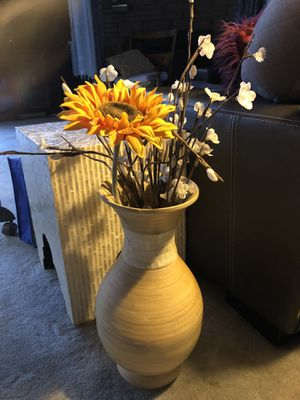 Large wooden vase with artificial flowers home decor for Sale in Puyallup, WA