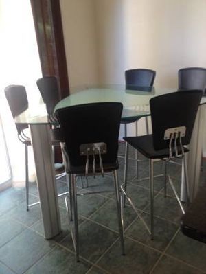 Modern Dining Hightop Set (Free Delivery) THE PRICE IS FIRM for Sale in Bowie, MD