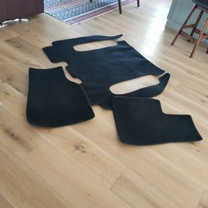 Tesla Model X 6 Seater No Center Console Floor Mats for Sale in San Diego, CA
