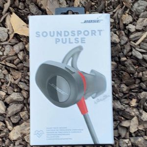 Bose soundsport pulse earbuds for Sale in Hanford, CA