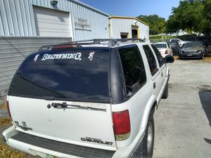 1996 S10 Chevy Blazer white 4dr and tow package tons of brand new part for Sale in Orlando, FL