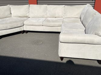 Beautiful Large Family Sectional From Havertys! for Sale in Vancouver,  WA