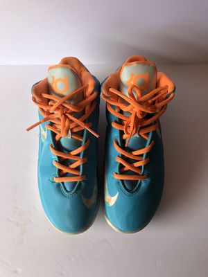 KD Basketball Boys Shoes Size 3Y for Sale in Chula Vista, CA