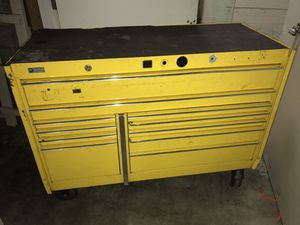 Yellow 11 Drawer Snap-On Toolbox for Sale in Tacoma, WA