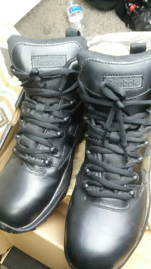Reebok steel toe boots men 7 ; wo 9 for Sale in Phoenix, AZ